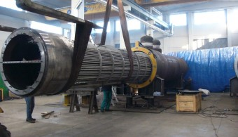 INSERT TUBE BUNDLE INTO THE SHELL HEAT EXCHANGERS BREECH LOCK CLOSURE TECNOLOGY, PLANT: REFINERY PETROBRAS ABREU E LIMA-RNEST - BRASIL, CLIENT: EXTERRAN / BELLELI ENERGY CPE - MANTOVA ITALY